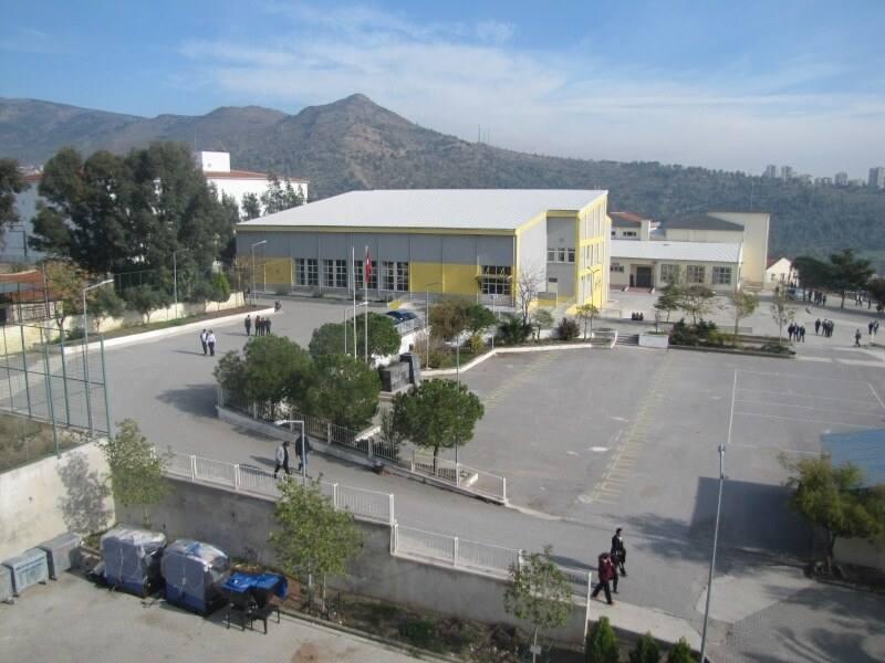 Bayraklı Nuri Atik Mesleki ve Teknik Anadolu Lisesi
