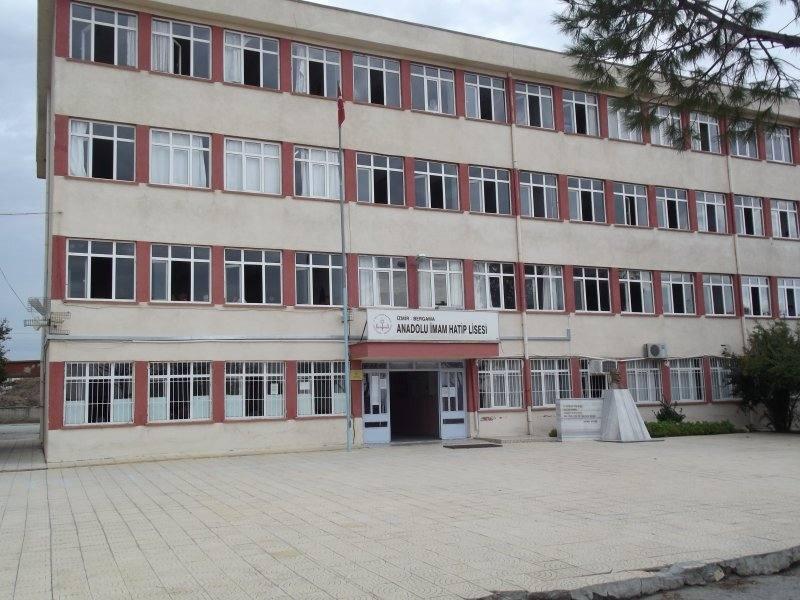 Bergama Anadolu İmam Hatip Lisesi