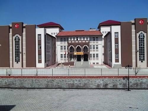 Araklı Anadolu Lisesi
