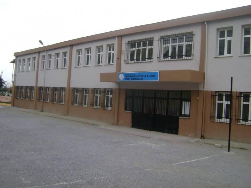 Burhan Özfatura Ortaokulu