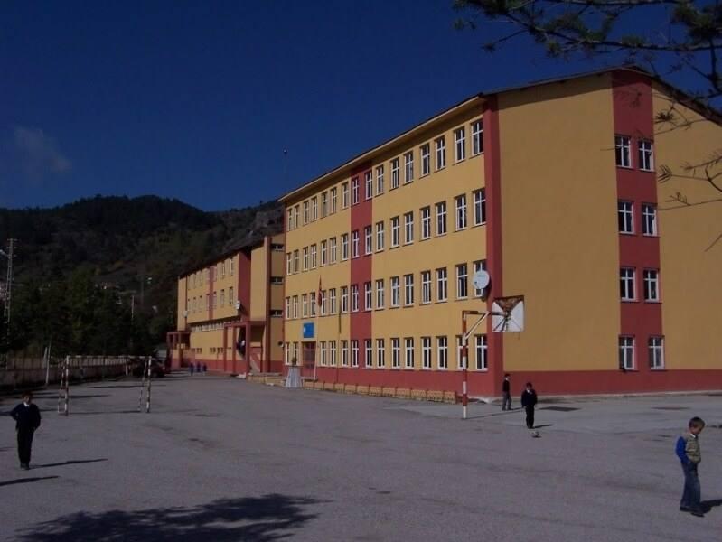 Azdavay 75.Yıl Cumhuriyet Yatılı Bölge Ortaokulu
