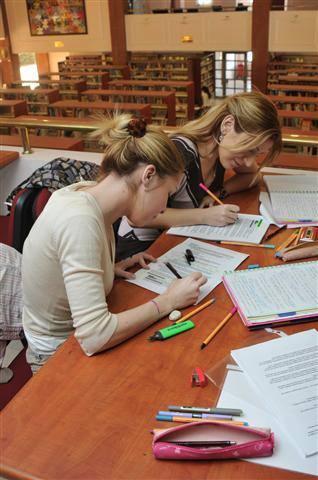 Maltepe Üniversitesi Kütüphanesi