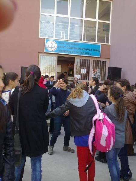 Şehit Öğretmen Mehmet İzdal Ortaokulu